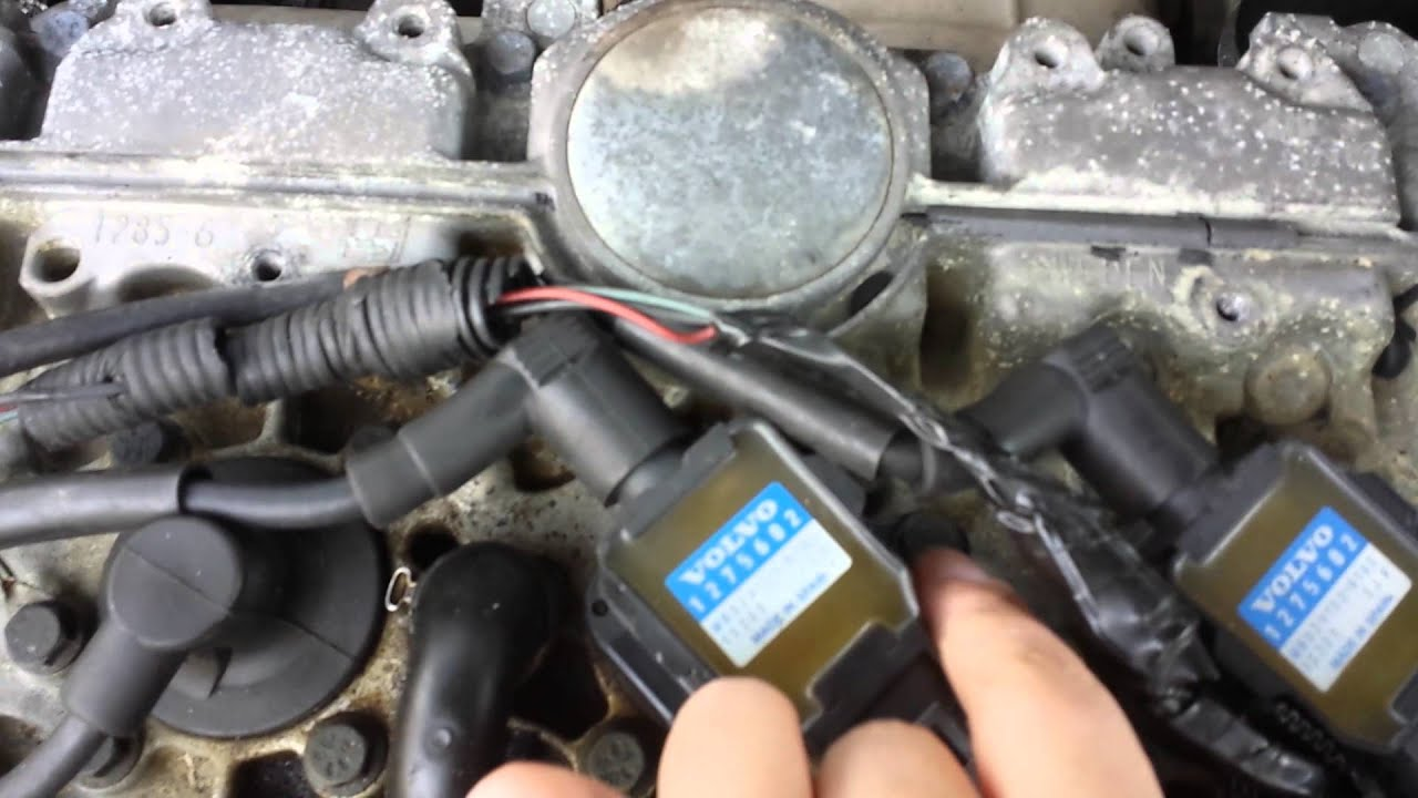 maxresdefault 2004 volvo s40 ignition coil youtube  at panicattacktreatment.co