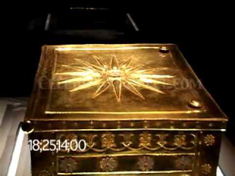 0337 Gold Casket & wreath/crown from tomb of Phillip II (Vergina, Greece)