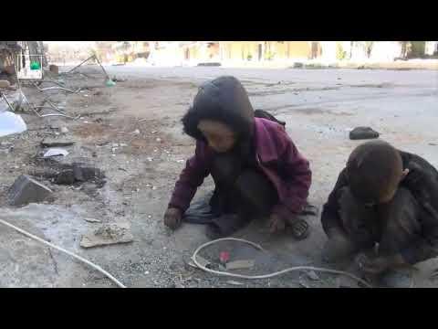 Голодные дети Сирии . До слёз .