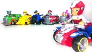 Игрушки Щенячий Патруль и их машинки. Развивающее видео про цвета
