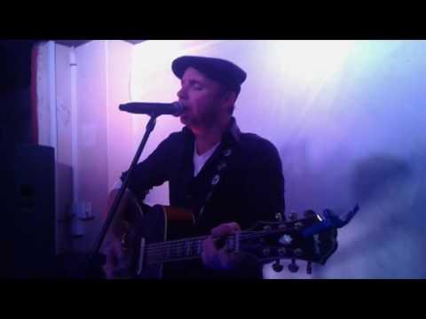 Jakkie Louw – Drie pikkewyne en Een miljoen woorde Live @ Hippo's Pub, Langebaan (10/06/2016)