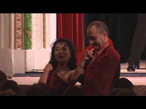Sólistka tokijské opery Miki Isochi zpívá Habaneru z opery Carmen George Bizeta