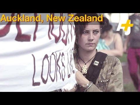 New Zealanders Protest Deep-Sea Oil Drilling