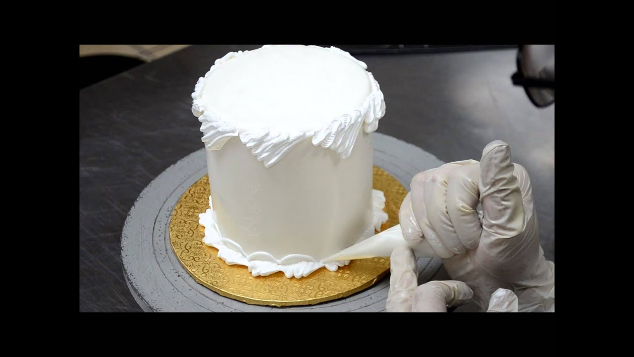 Cake With Cream Frosting : Fast Way to decorate cake with buttercream icing ...