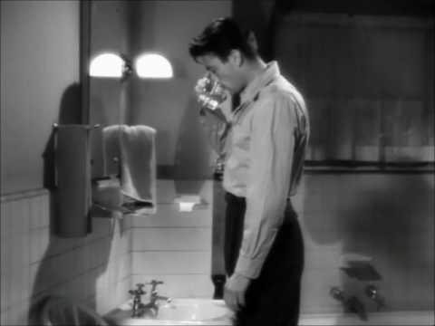 Rozdvojená duše (1945) - holící scéna