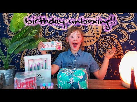 Seraphina Styles!~ KIDS BIRTHDAY MAKEUP UNBOXING!
