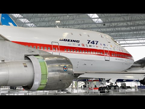 Tour through the first Boeing 747 (the 'City of Everett' , RA001, N7470) at the Museum of Flight