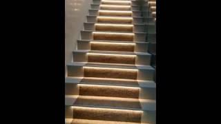 видео Автоматическая подсветка лестницы: выбор светильников и контроллера