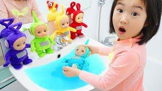 Boram prend soin de la poupée. Jeux de poupée Teletoby