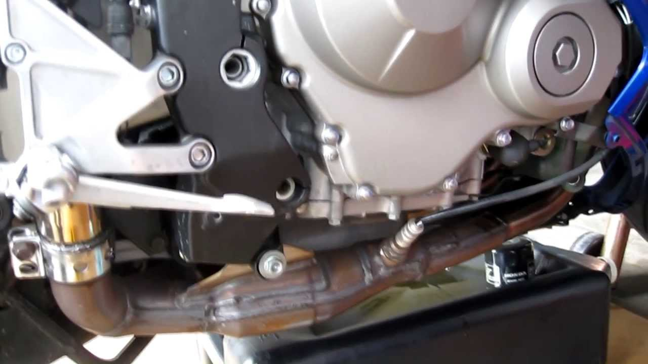 Diy How To Do An Oil Change On A Honda Cbr 600rr Youtube