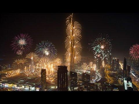 Dubai New Year's Fireworks 2017 (4K)