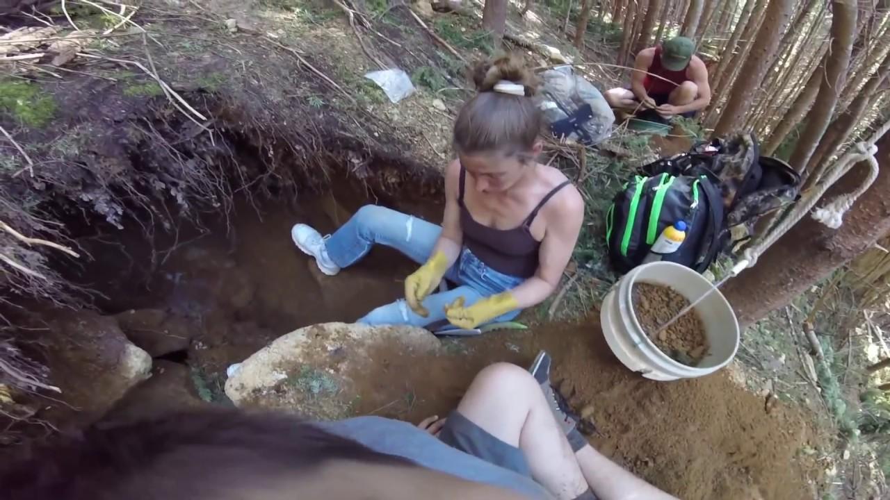 rockhounding bliss digging crystals in washington
