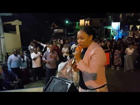 Berzalini Nivar 2018 Los Idolos No Tienen Poder Coro De Fuego