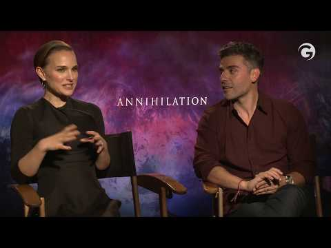 Annihilation Interviews: Natalie Portman & Oscar Isaac Explain The Ending
