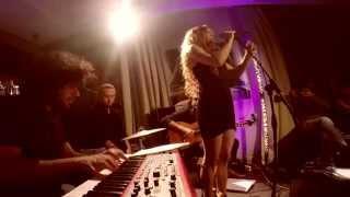"Rebecca Boa ""The Moon and the Sky"" (Sade)  -AC RECOLETOS LIVE-"