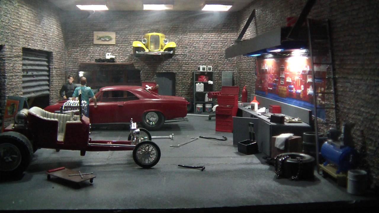1 24 Scale Garage Diorama Youtube