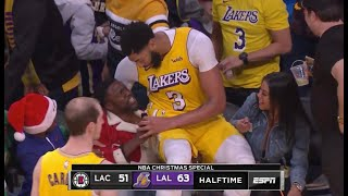 anthony-davis-falls-stands-kevin-hart-lakers-clippers