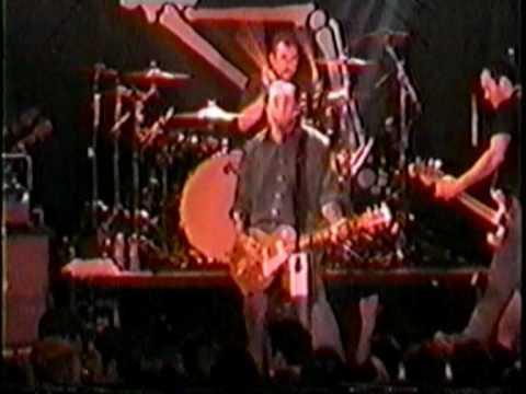 Social Distortion - Angels Wings (Pittsburg 2001).mpg