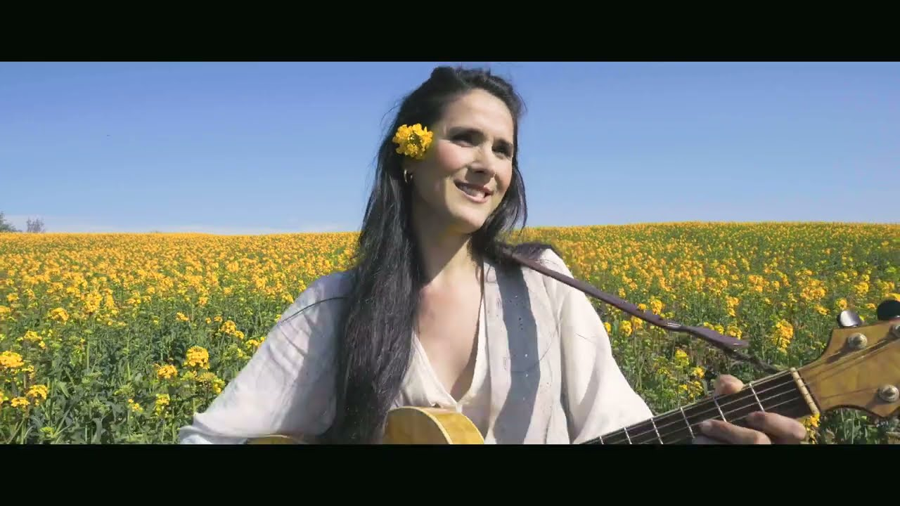 Download Ruken Yılmaz - Nêrgiz (Official Music Video)