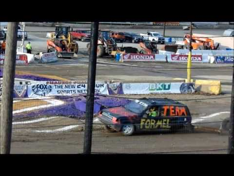 Street Warrior - Looses Tire During Race - Lebanon Valley Speedway