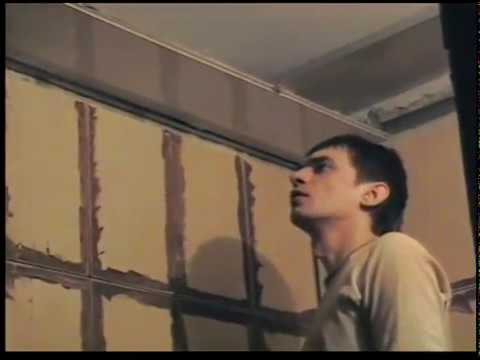 видео: Как делается пластиковый  потолок, своими руками!