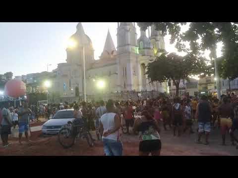 Parada LGBTQI+ atrai multidão na Avenida Soares Lopes em Ilhéus 4
