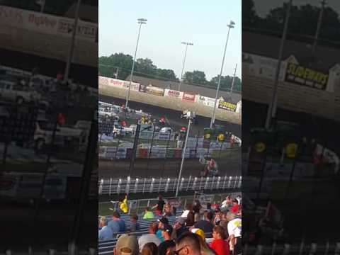 Tony Stewart Hot Lapping @ Knoxville Raceway