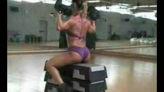 FITNESS MODEL ANTONELLA LIZZA WORK OUT