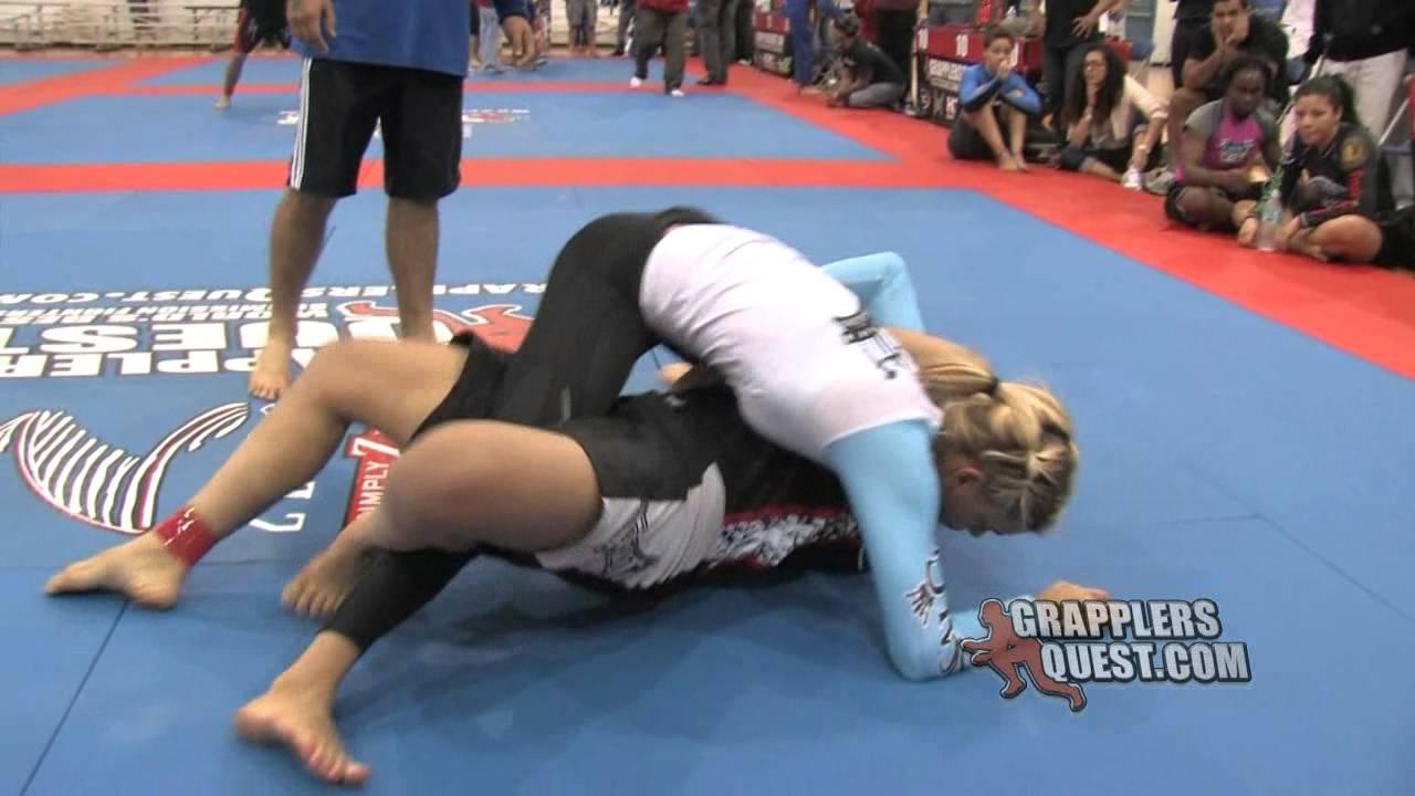 Female vs male judo - 1 6