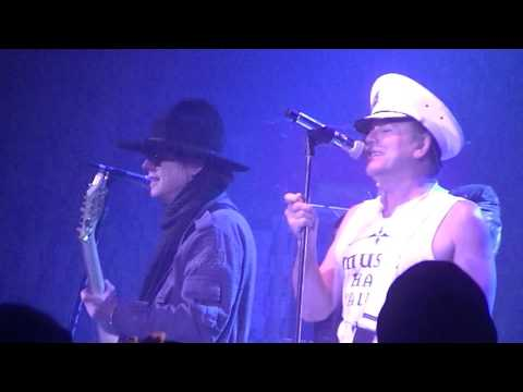 Cheap Trick-I Want You To Want Me live in...