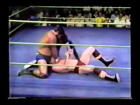 Don Muraco and his Asiatic Spike vs Barry Windham