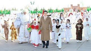 Запрет на черные автомобили и женщин за рулем: особенности внутренней политики Туркменистана