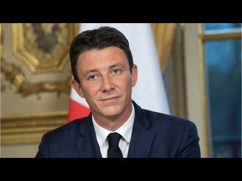 Benjamin Griveaux S Attire Les Foudres De Son Prédécesseur
