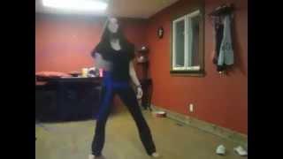 Девушка с обручем, нереально красиво танцует. Красавица!
