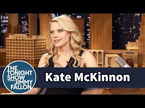 Download Youtube: Kate McKinnon's Cat Is Ungrateful and Overweight