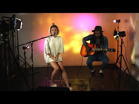 Anne-Marie Performs 'Gemini' Acoustic