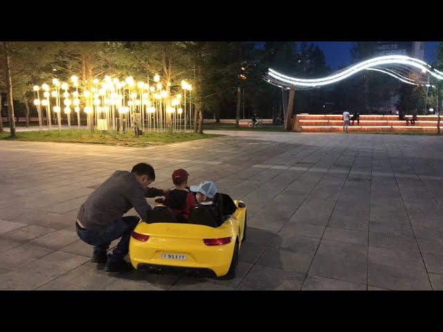 Вечерняя прогулка//учимся водить