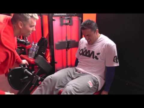 Jak posilovat nohy - Martin Mester - Fitness trenink s Filipem :)