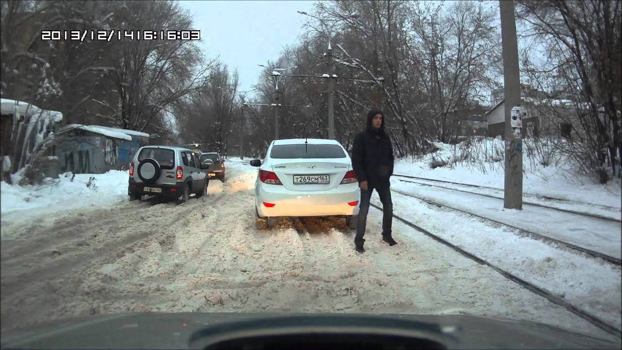 Accent, снег и нива