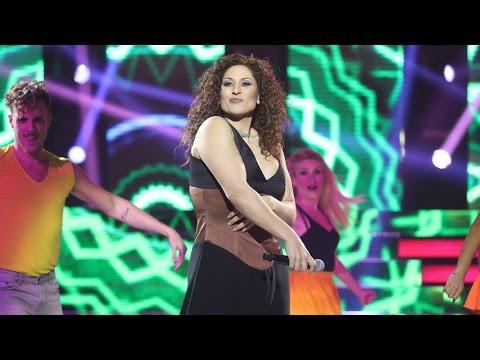 Rosa López imita a Gloria Estefan - Tu Cara Me Suena