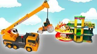Мультики про Машинки для Детей-  Трактор упал с Парковки-  Пожарная машина тушит пожар