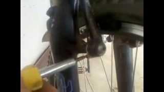 Ремонт велосипеда Замена колодок  v-brake и регулировка(Данное видео представлено,для того,чтобы, можно было заменить колодки,и не бежать к мастеру! это экономит..., 2015-04-23T06:19:54.000Z)
