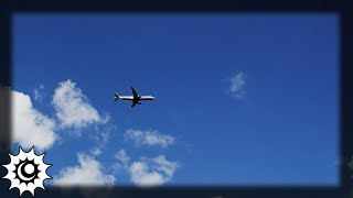 ????  Flugzeuge bleiben plötzlich in der Luft stehen