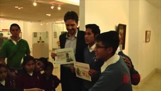 Guillaume Long visita los Museos