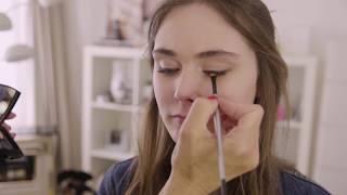 Comment poser correctement un liner et un rouge à lèvre .