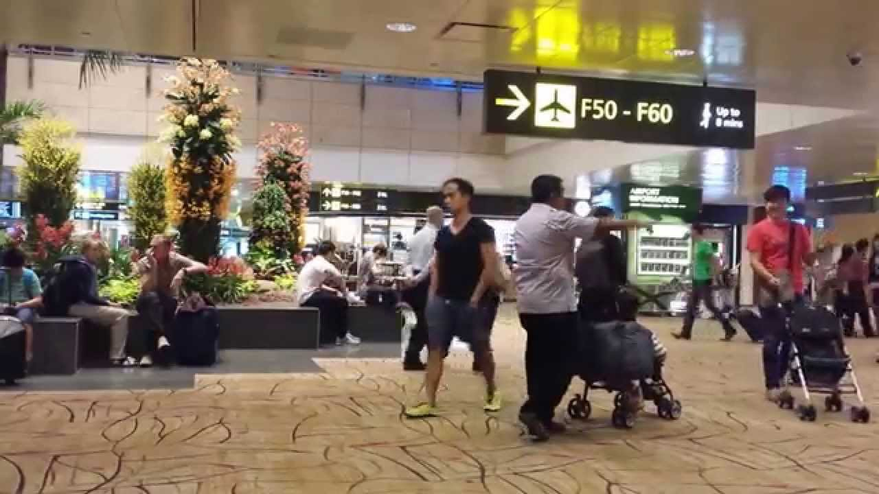 singapore changi airport departure lounge youtube. Black Bedroom Furniture Sets. Home Design Ideas