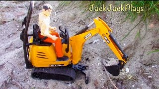 Bruder JCB Micro Excavator Toy UNBOXING: Mini digger playing digging