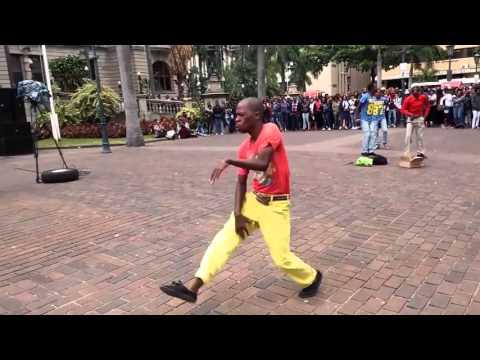 Pantsula dance battle - craziest
