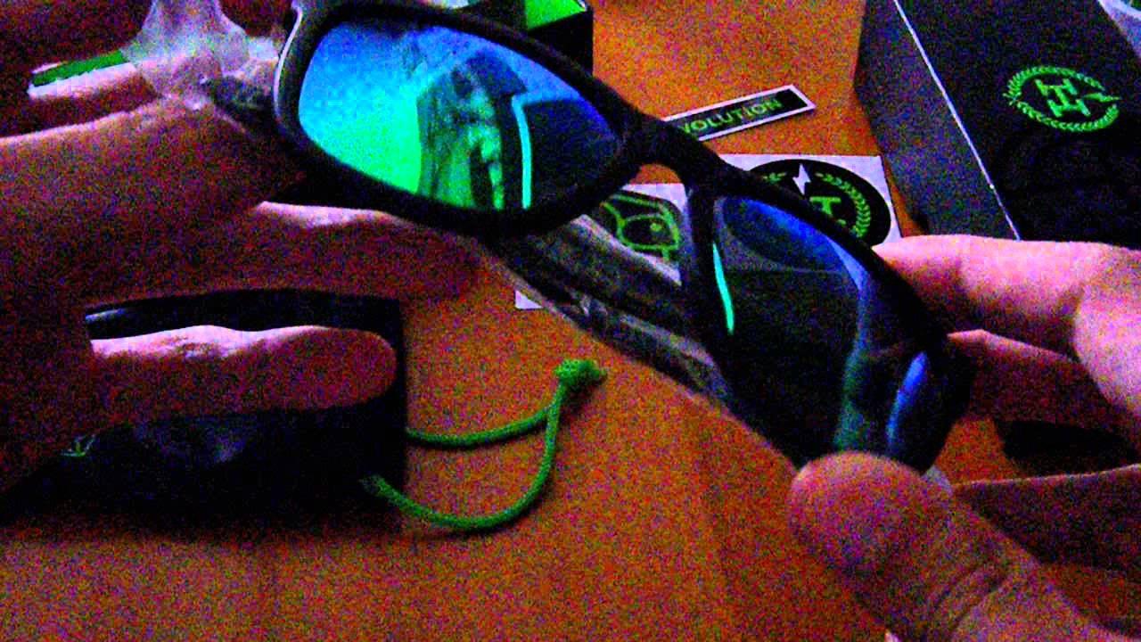 af4b229de6 Hawkers x Forocoches - Las gafas de sol forococheras - YouTube