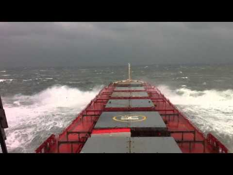 force 10 in taiwan strait.1.MOV